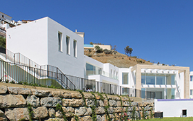 Villa contemporánea en Los Arqueros Golf Resort, Benhavis